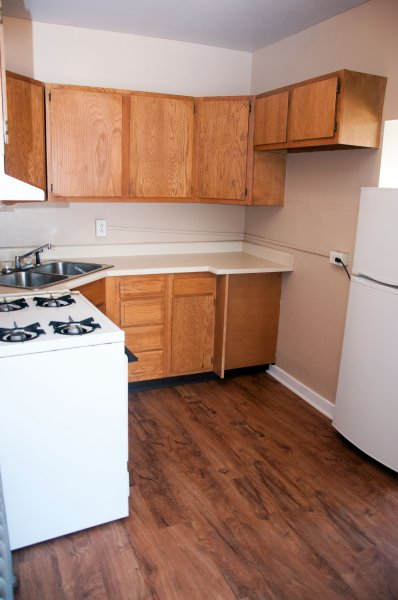 1607-4th-st-3rd-flr_kitchen_1b