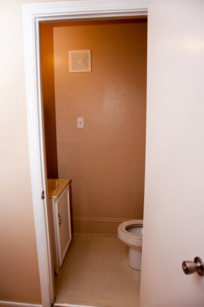 211-maple_bathroom_2a