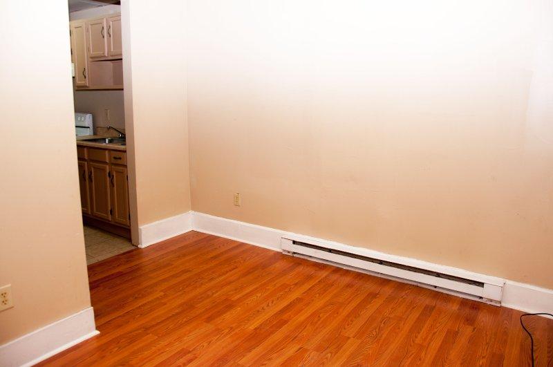 603-6th-ave-1st-flr_living-room_1b_100414