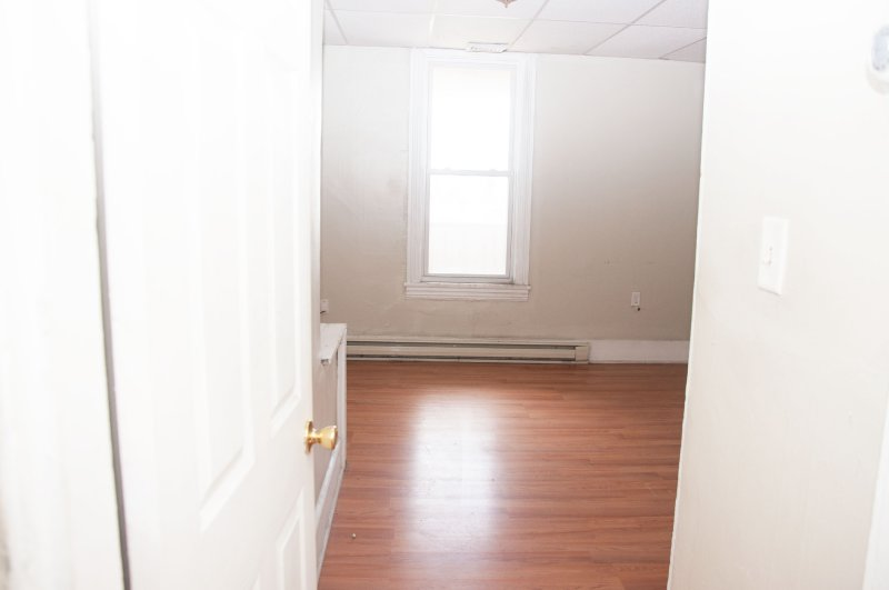 603-6th-ave-2nd-flr_bedroom_1b_100414
