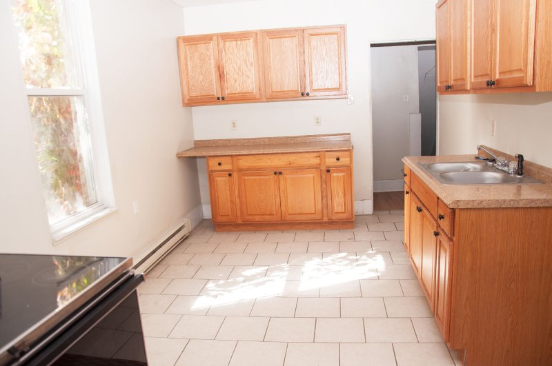 603-6th-ave-2nd-flr_kitchen_1a_100414