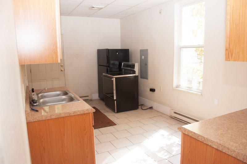 603-6th-ave-2nd-flr_kitchen_1b_100414