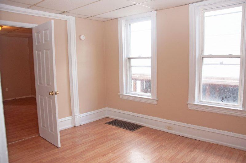 614-10th-st-1st-flr_bedroom_1b_100414