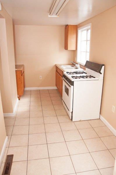 614-10th-st-1st-flr_kitchen_1a_100414